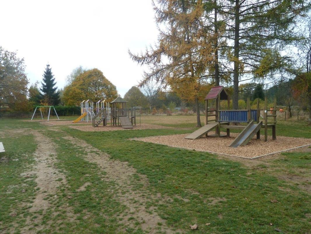 Plaine de jeux Marbehan Ecole 2